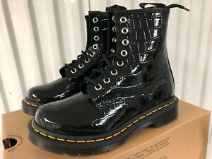 Wmn Dr. Martens 1460 8-Eye Lace Boot Black Patent Leather Croc Gator Skin 7 EU38