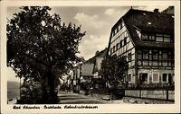 Bad Schandau DDR s/w AK 1955 Straßenpartie an den Siebenbrüder Häusern Fachwerk