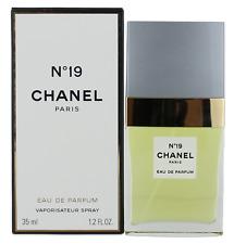 Chanel No 19 Eau de Parfum Spray