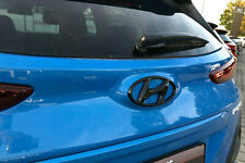 Hyundai Kona Heck Cover Emblem hochglanz–schwarz blacked out Badge gloss black