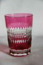 Verre gobelet en cristal du Val-Saint-Lambert taillé couleur rouge
