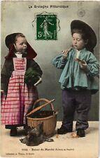 CPA  Bretagne - Retour du Marché - Enfants de Pontivy - Folklore  (482621)