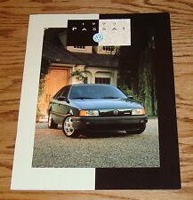 Original 1993 Volkswagen VW Passat Sales Brochure 93