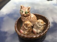 Vintage Wade Porcelain  Whimsie Cat in Basket Trinket Pin Dish +2 Kittens Mint