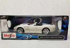 Maisto die-cast  1:18 Shelby 1 Series convertible White Blue Stripes 31142