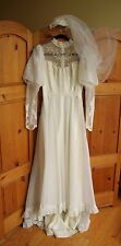 Vintage White Lace Sheer Chiffon Tulle High Neck Long Sleeve Wedding Dress Veil