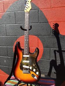 1990 Fender American Standard Stratocaster USA Sunburst Strat Electric Guitar