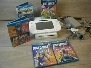 WHITE NINTENDO WII U 8GB BUNDLE INCLUDES CONSOLE GAME PAD AND 5 GAMES