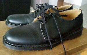 Quality Clarks black leather shoe closed toe Dude 6 D made in Australia