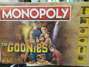Monopoly The Goonies Edition + 6 Collectible Tokens