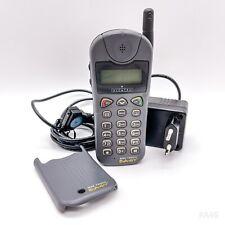 Alcatel One Touch Easy Handy, Mobiltelefon, Telefon mit Ladegerät - Grau Retro
