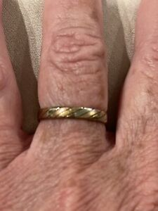 14kt tricolor gold wedding band size 7