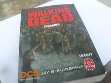 livre de poche walking dead invasion