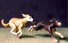 DEF.MODEL, DO35A05, Running hound (2 FIGURES ), 1:35