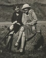 ANTIQUE VINTAGE FLAPPER AMERICAN RISQUE LADIES KNEE HIGH LONG LEGS FASHION PHOTO