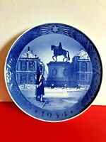Annual Porcelain Decorative Display Plate by Royal Copenhagen, Denmark. 1954