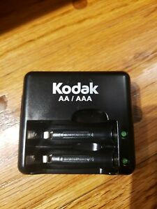 Kodak K640 Digital Camera Travel Battery Charger for AAA/AA Batteries