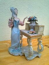 Beautiful Capodimonte Lady in excellent condition, about 60 years old