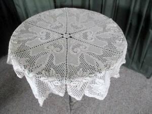 "Vintage tablecloth daffodil design-Round-36"" dia-Hand crochet-Ecru"