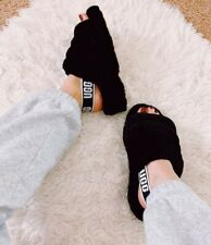 - FLUFF YEAH WOMEN'S SLIPPERS/SANDALS UGG BLACK SIZE 6 NEW with BOX -