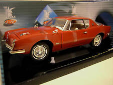 STUDEBAKER  AVANTI 1963 rouge 1/18 SOLIDO 421183270 voiture miniature collection