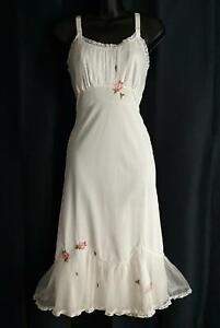 "1950s Vintage Laros ""Rambler Rose' NYLON & CHIFFON Embroidered FULL SLIP -sz 34"