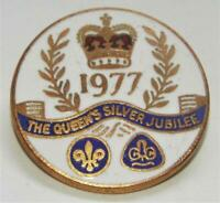 Boy Scouts and Girl Guides Vintage 1977 Queen Elizabeth Silver Jubilee Badge