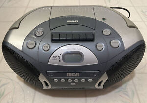 Vintage RCA AM/FM/CD/Cassette Player Boombox RCD158A
