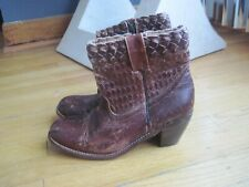 WOMEN'S COWBOY STYLE BED STU DISTRESSED LEATHER  BOOTS SIZE 8 ~BURGUNDY~