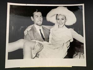 007 Girl Daniela Bianchi & Neil Connery 1966/67 Original Photos Operation Kid