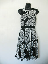 Ann Taylor Daisy Design Dress Size 6, Lovely Floral