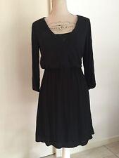 Ma petite robe noire BERSHKA taille L (40)