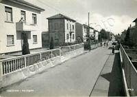 Cartolina di Lurate Caccivio, ciclisti su strada - Como, 1964