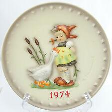 M. J. Hummel Goebel 4th Annual Plate 1974 Goose Girl Jahresteller West Germany