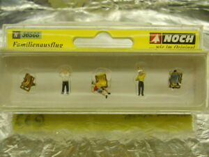** Noch 36566 The Family out on a Trip Sitting and Standing Fun Figures N Scale