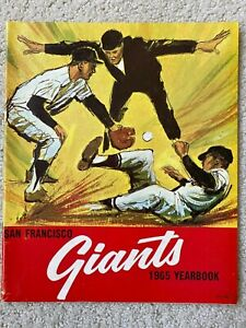SAN FRANCISCO GIANTS YEARBOOK 1965 -Wiilie Mays, McCovey, Marichal, Cepeda-MINT!