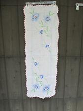 Table Runner Embroidered White Cotton Blue Flwers Crochet Edge Vtg Vtg 14 x 40