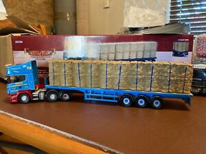 Corgi 1:50 die cast Scalia R Flatbed & Straw load limited edition