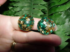 Vintage Lucite - GLITTER CONFETTI - clip EARRINGS - green with gold stars