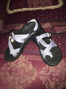 Womens Chacos Sz 7