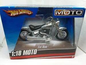moto fat ride hotwheels 1/18 gris metal