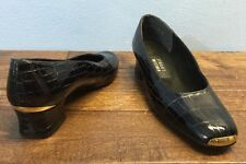 Stuart Weitzman Black Patent Leather Croc Imprint Gold Tip & Heel Pump Sz 7.5 M