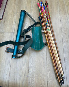 VINTAGE ARCHERY QUIVER BY SLAZENGER With Various ARROWS