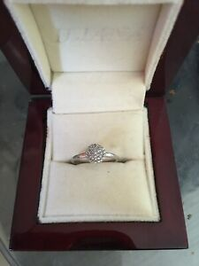 9ct Gold (white) Diamond Engagement Cluster Ring