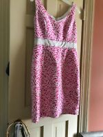 Maggy London Women's Pink Floral Sheath Dress Size 8 V-neck Mid Length, Creme