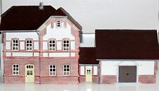 Hornby Spur N HC9000 Bahnhof mit Güterschuppen Detailliertes Fertigmodell Neu