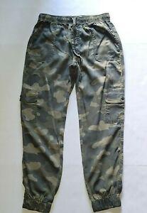 C & C California Womens Green Camo Two Pocket Cargo Jogger Pants  NWT Size M