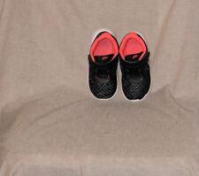 Nike Girls Toddler Size 8 Fabric Slip On Sneakers
