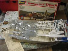 2 MODELLE  REVELL  Northrop F-5E Tiger II - 1:72 siehe Bild