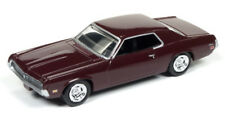 1/64 AUTO WORLD VINTAGE MUSCLE 3B 1969 Mercury Cougar in Maroon